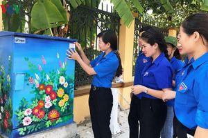 'Tủ điện nở hoa' - việc làm ý nghĩa của thanh niên Yên Bái