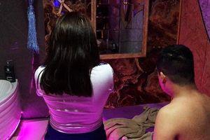Phá ổ 'massage vua' sung sướng giá 5 triệu với 5 nữ phục vụ