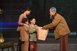 Chương trình 'Muôn vàn tình thương yêu': Xúc động, kính yêu và tự hào về Bác
