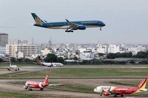 Máy bay xếp hàng chờ trên đường băng Tân Sơn Nhất, quản lý bay nói gì?