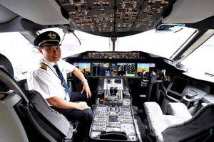 Cảm giác khó tả của cơ trưởng đầu tiên 'cầm lái' siêu máy bay Boeing 787-10