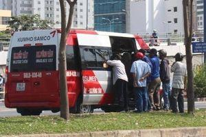 TP.HCM xử phạt nhiều 'xe dù'