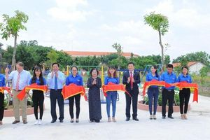 Nam A Bank trao học bổng và tuyên truyền bảo vệ môi trường cho học sinh tỉnh Long An