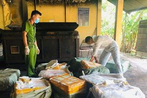 Công an Lạng Sơn bắt giữ hàng trăm kg nầm lợn hôi thối nhập lậu