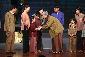 Chương trình đặc biệt 'Muôn vàn tình thương yêu' chạm tới trái tim hàng triệu khán giả