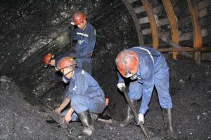 Xây dựng hình ảnh 'Người thợ mỏ - Người chiến sĩ'