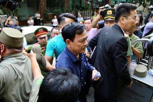 Cựu viện phó Nguyễn Hữu Linh lại hầu tòa