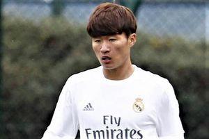 Guus Hiddink dùng cầu thủ của Real Madrid đấu HLV Park Hang-seo