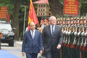 Thủ tướng Việt Nam - Australia thăm Bệnh viện dã chiến cấp 2, số 2