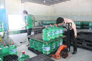 Nước đóng chai đắt hàng khi Đà Nẵng lâm cảnh thiếu nước sạch