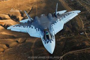 Sự xuất hiện của tiêm kích Su-57E Nga khiến F-35 Mỹ 'tắt điện'