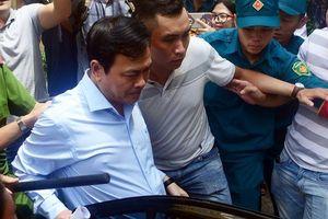 Hình ảnh từ phiên xét xử Nguyễn Hữu Linh về tội dâm ô trẻ em