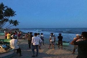 Tìm thấy thi thể 4 nam thanh niên bị sóng biển cuốn trôi ở Bình Thuận