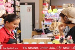 Cửa hàng đầu tiên ở Hà Tĩnh tính phí khi dùng túi nilon