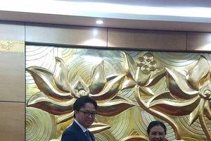 Trao Kỷ niệm chương 'Vì hòa bình, hữu nghị giữa các dân tộc' tặng Đại sứ Prak Nguon Hong