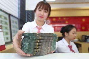 Nhiều ngân hàng đẩy lãi suất lên 10%/năm