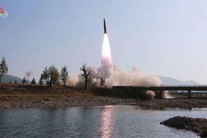 Triều Tiên tiếp tục phóng 2 tên lửa ra biển Nhật Bản