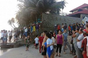 Sóng tử thần ở Bình Thuận rình rập người tắm biển