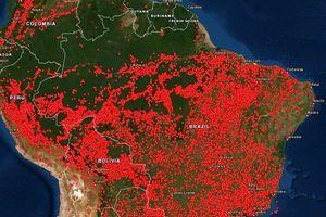 Ảnh bản đồ vệ tinh cho thấy cả Nam Mỹ đang bị lửa vây kín