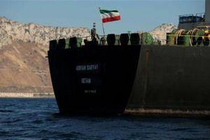Tàu dầu Iran đột ngột đổi hướng, Tehran muốn thả tàu Anh