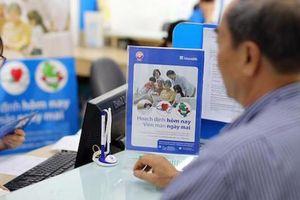 Kênh ngân hàng đang chiếm bao nhiêu doanh thu phí bảo hiểm nhân thọ?