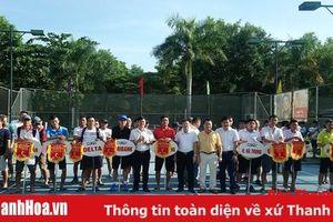 Trên 100 vận động viên tham dự giải quần vợt đồng đội Thanh Hóa –Cup Agribank lần thứ VIII