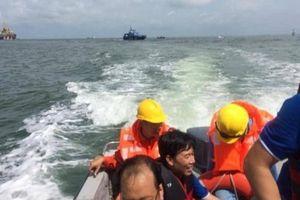 Ca nô chở đoàn khách du lịch bị lật ở Vũng Tàu làm bằng vật liệu PPC