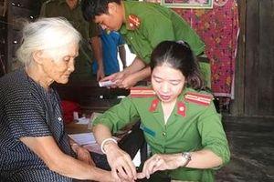 Công an huyện Cư Jút về tận thôn, buôn cấp CMND cho người dân