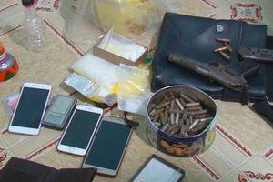 Bắt kẻ tàng trữ ma túy cùng súng K54 và hơn 100 viên đạn