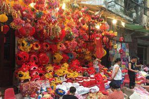 Đồ chơi Trung thu truyền thống khoe màu trên phố phường Hà Nội