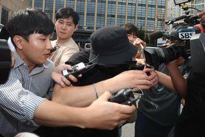 Cảnh sát điều tra video người đàn ông Hàn đánh phụ nữ Nhật giữa Seoul