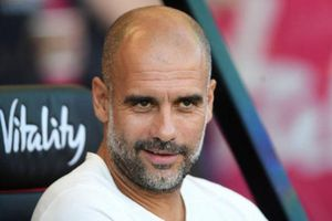 Man City giành 3 điểm trong ngày VAR gây tranh cãi