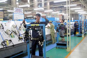 Việt Nam tăng nhập linh kiện ô tô từ Hàn Quốc, Nhật Bản