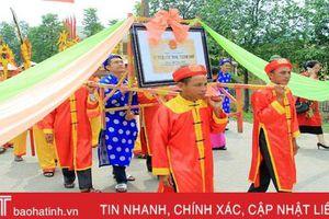 Đón nhận bằng di tích lịch sử văn hóa cấp tỉnh nhà thờ Lê Văn Diễn