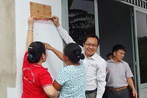 Trao tặng 2 căn nhà Chữ thập đỏ cho 2 hộ nghèo