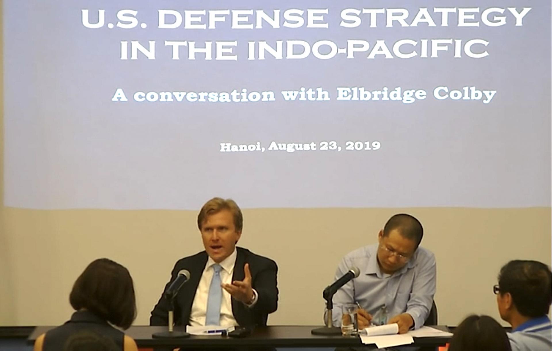 Nguyên Phó Trợ lý Bộ trưởng Quốc phòng Mỹ: Trung Quốc lộ rõ tham vọng bá quyền