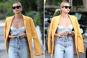 Vợ Justin Bieber 'lên đời' phong cách, thay 2 bộ đồ khi ra phố