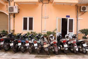 Nhóm trộm chuyên nghiệp di chuyển bằng ô tô, 1 đêm 'ăn' 6 xe máy