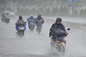 Bắc Bộ và Trung Bộ giảm nhiệt, Nam Bộ mưa lớn diện rộng