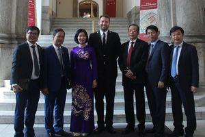 Đoàn đại biểu TP Hà Nội thăm và làm việc tại Hy Lạp, Đan Mạch: Góp phần thúc đẩy hợp tác kinh tế, thương mại, du lịch