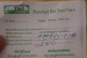 Tài xế taxi bị tố 'chặt chém' khách Ấn Độ 1,2 triệu đồng đã mang tiền trả lại