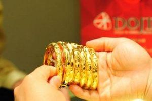 Căng thẳng thương mại Mỹ - Trung ngày càng leo thang đẩy giá vàng tăng mạnh