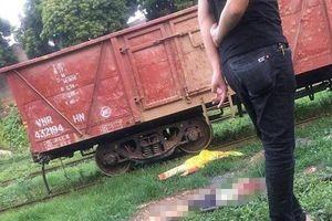 Người đàn ông bò qua đường sắt bị tàu hỏa cán tử vong