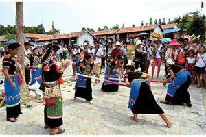 Nhiều hoạt động 'Vui Tết Độc lập' tại Làng Văn hóa - Du lịch các dân tộc Việt Nam
