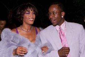Nóng: Chồng cũ cố diva Whitney Houston - Ca sĩ Bobby Brown gặp tai nạn xe hơi nghiêm trọng