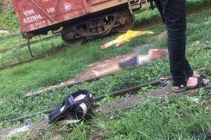 Bò qua đường ngang, người đàn ông bị tàu hỏa cán tử vong
