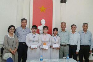 Tổ chức Helping Hands Hàn Quốc 'tiếp sức' cho sinh viên nghèo Bến Tre