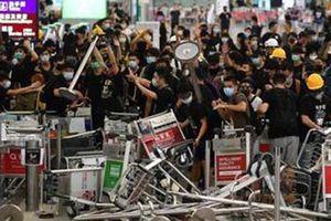 Hong Kong chịu hệ lụy từ các cuộc biểu tình