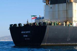 Bất chấp Mỹ ngăn cản, tàu Adrian Darya của Iran đã bán hết dầu