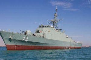 Iran điều khu trục hạm mang tên lửa đến vịnh Aden bảo vệ tàu